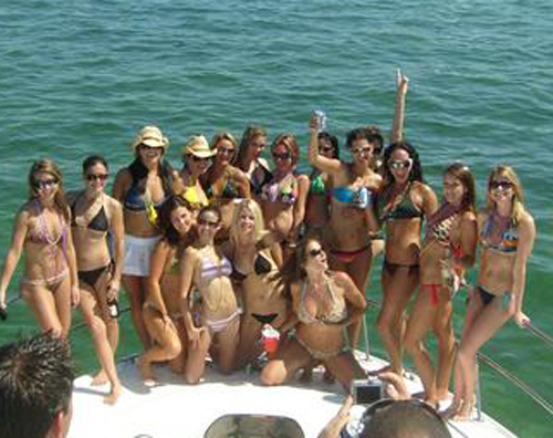 bronson_arroyo_boat_bikini_party_31